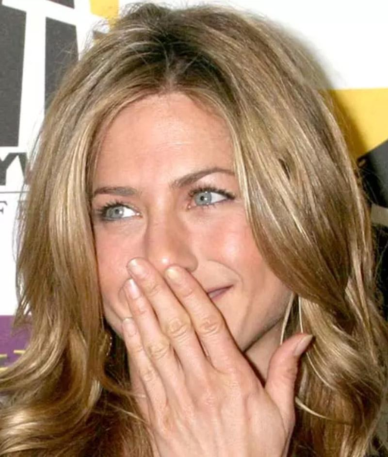 Jennifer Aniston (Tóc gợn sóng)