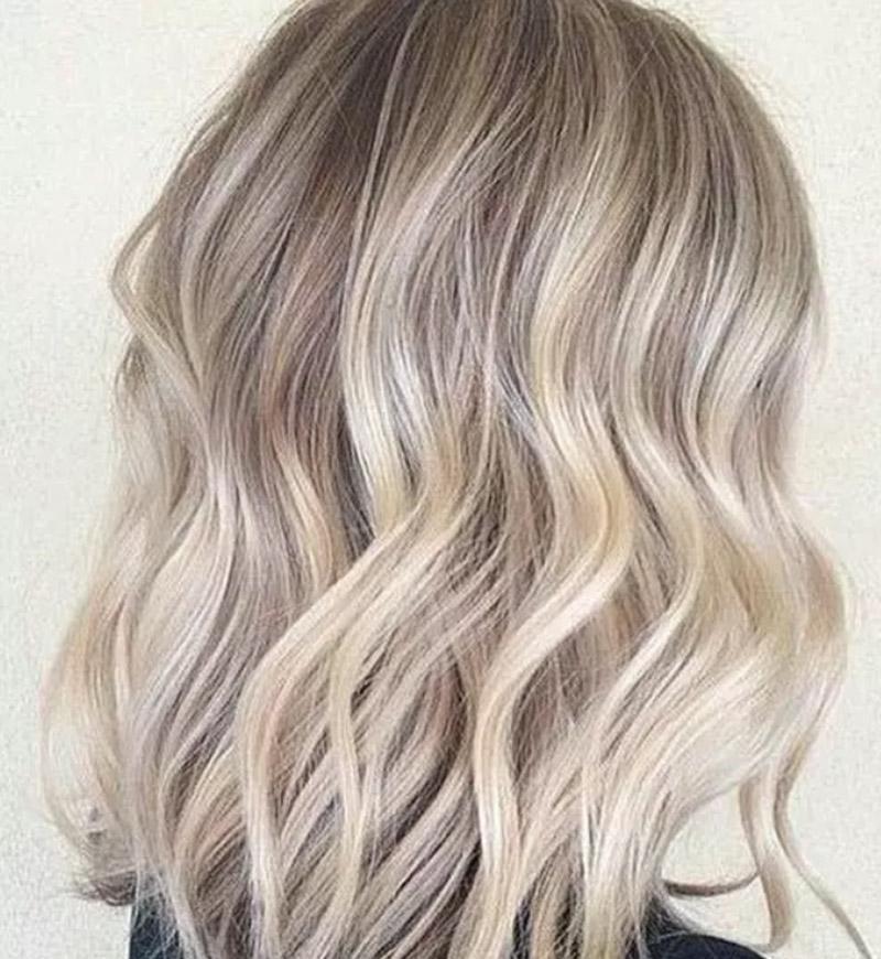 Kiểu tóc bob dài gợn sóng