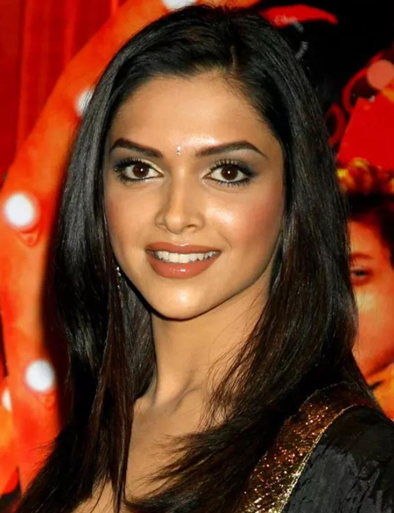Kiểu tóc chữ C duyên dáng và quyến rũ của Deepika Padukone
