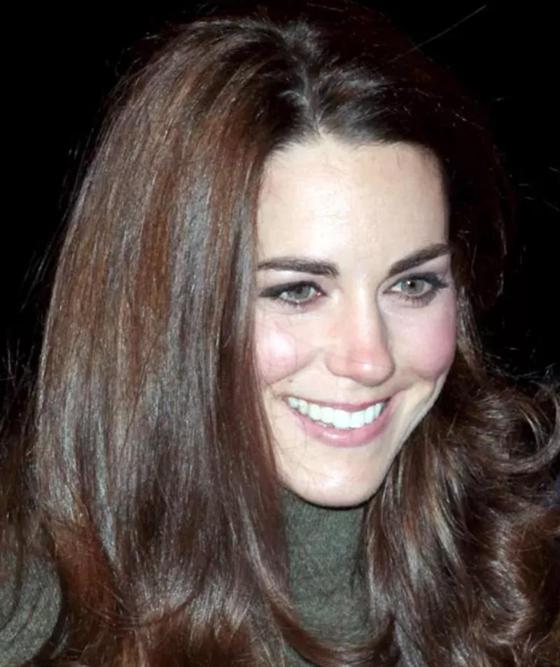 Kiểu tóc dài cắt layer sang trọng của Kate Middleton