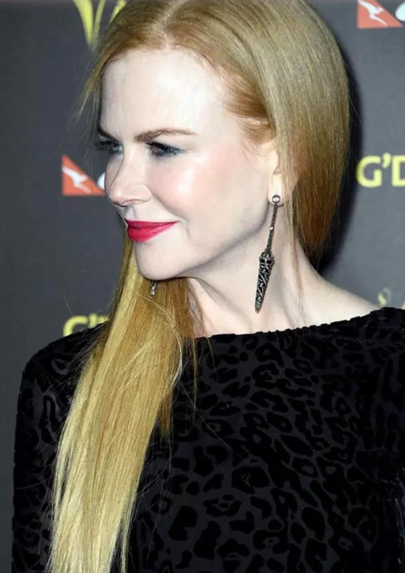 Kiểu tóc dài thẳng sang trọng của Nicole Kidman