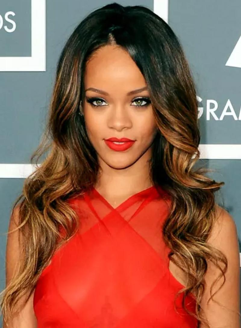 Kiểu tóc lôi cuốn và quyến rũ của Rihanna