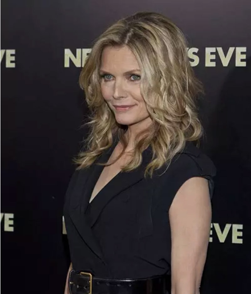 Michelle Pfeiffer (Xoăn messy)