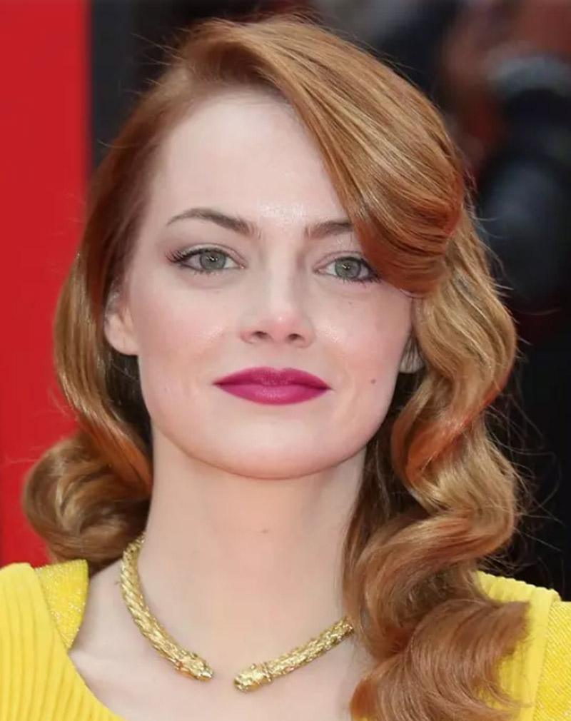 Những lọn tóc xoăn vàng cổ điển