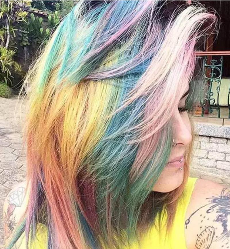 Nhuộm tóc màu cầu vồng