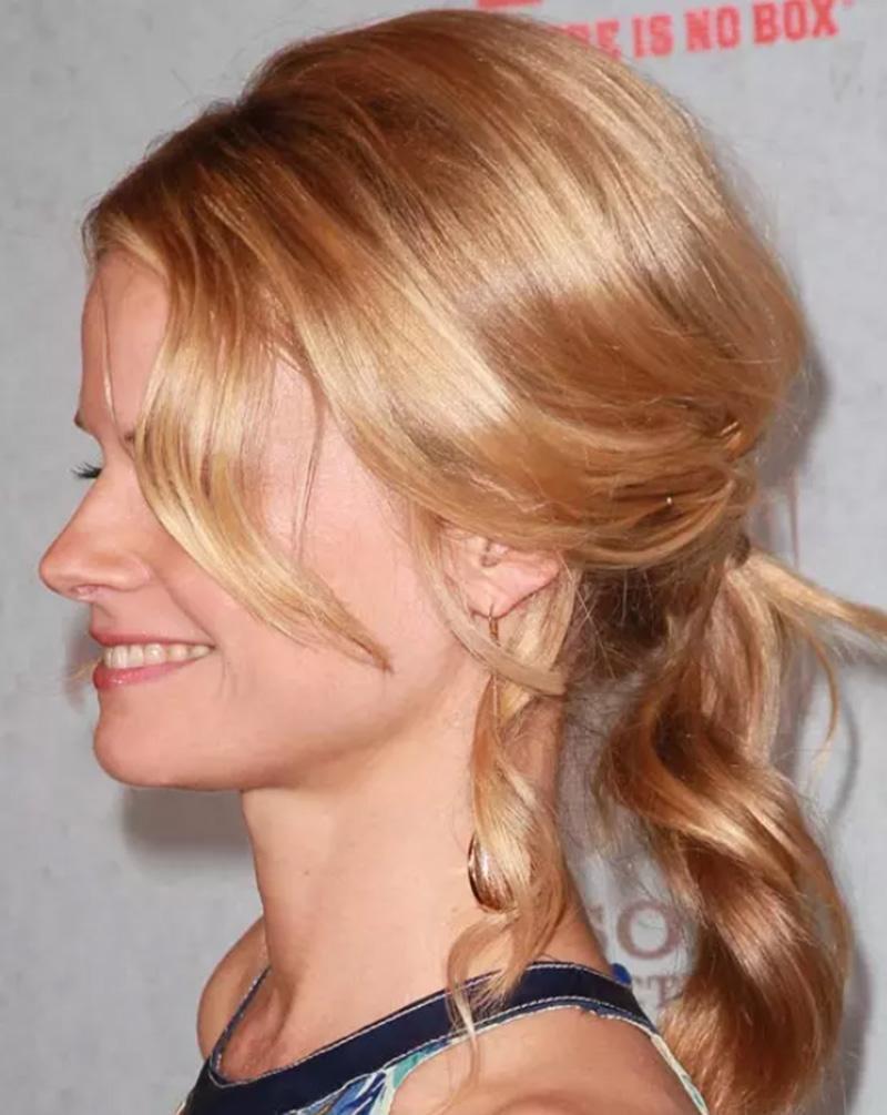 Tóc dài kết hợp có mái