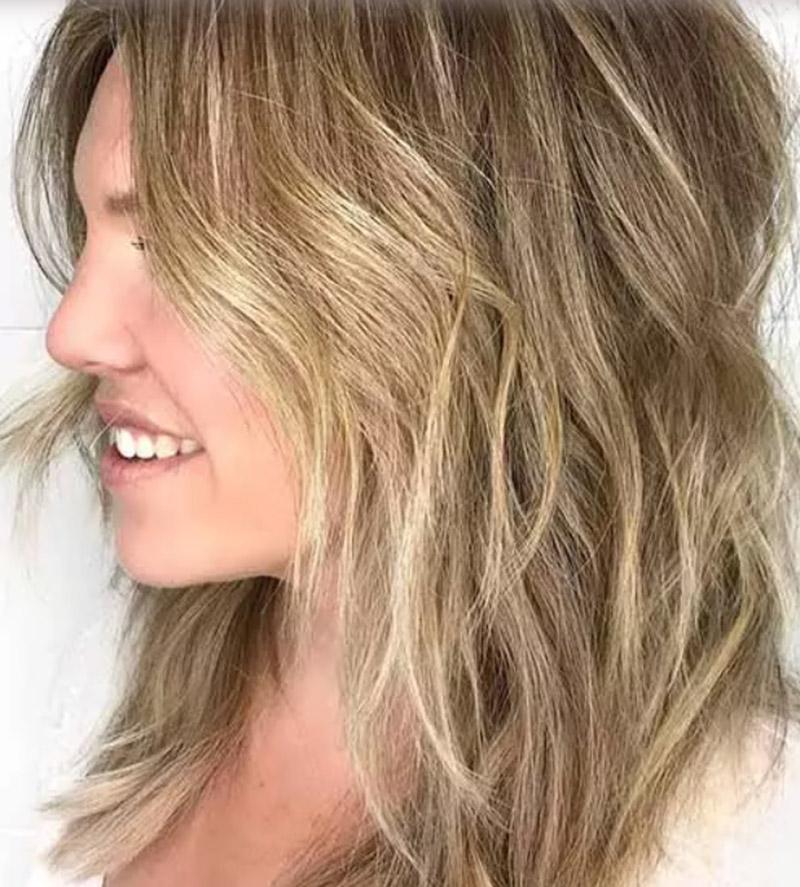 Tóc mái nhọn dài