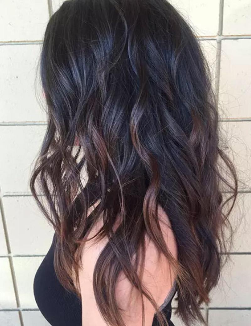 Tóc xoăn hai màu