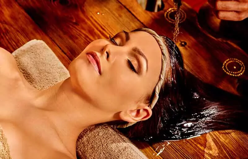 Điều trị bằng dầu nóng hương thảo