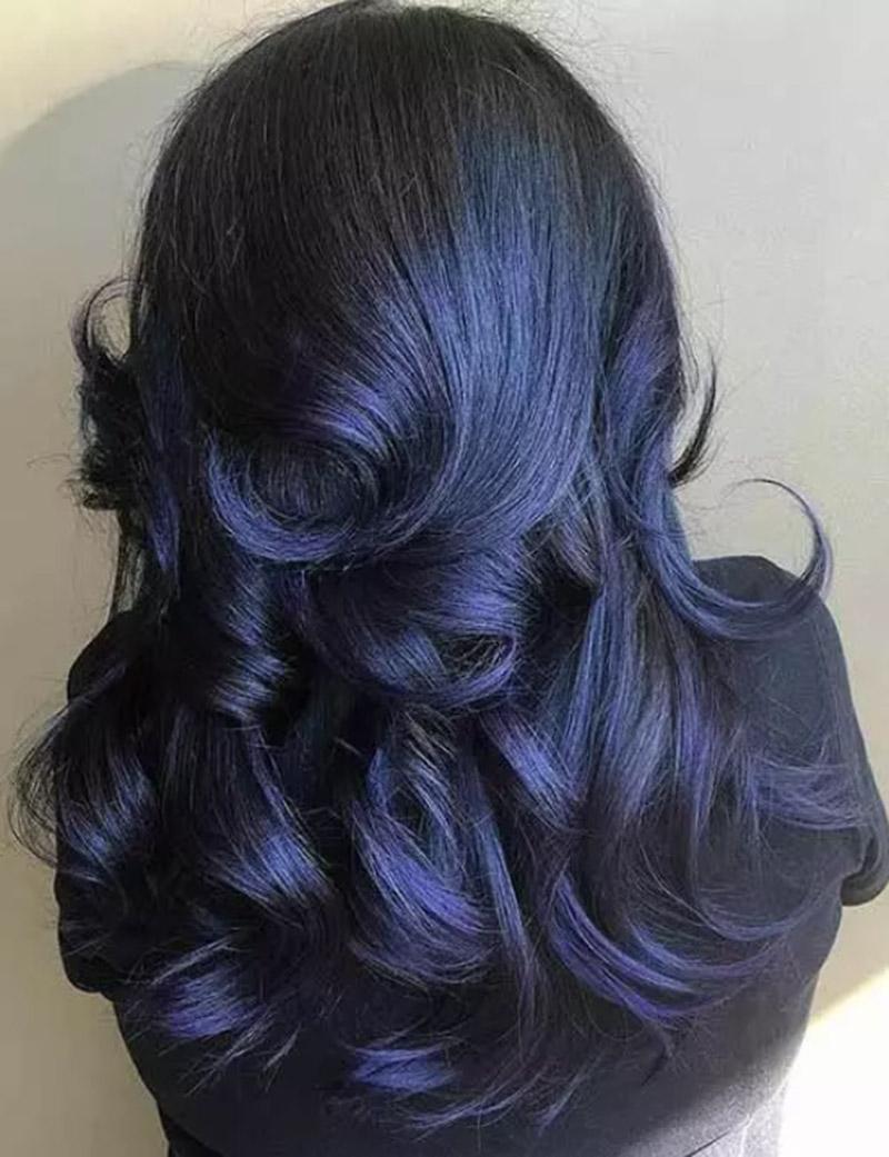 Mái tóc xanh đen lấy cảm hứng từ bầu trời nửa đêm