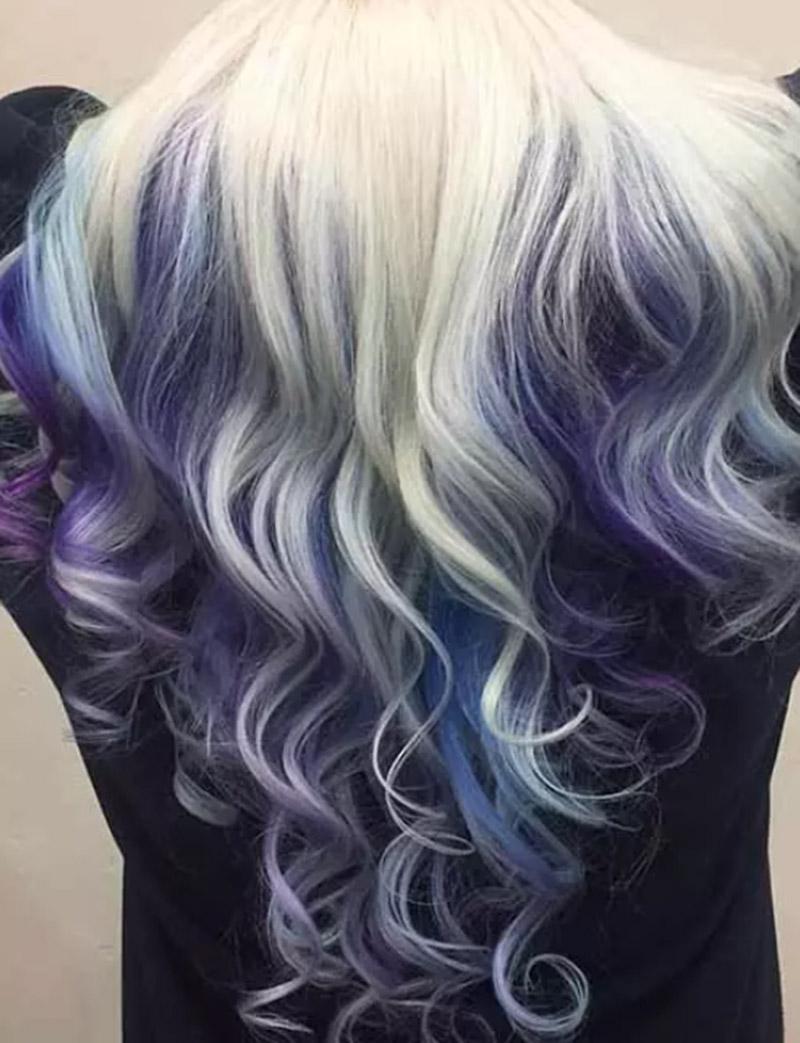 Kiểu tóc nhuộm màu bạch kim Peekaboo