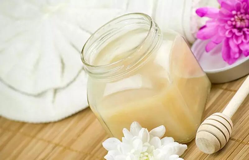 Mặt nạ nước cốt dừa và mật ong