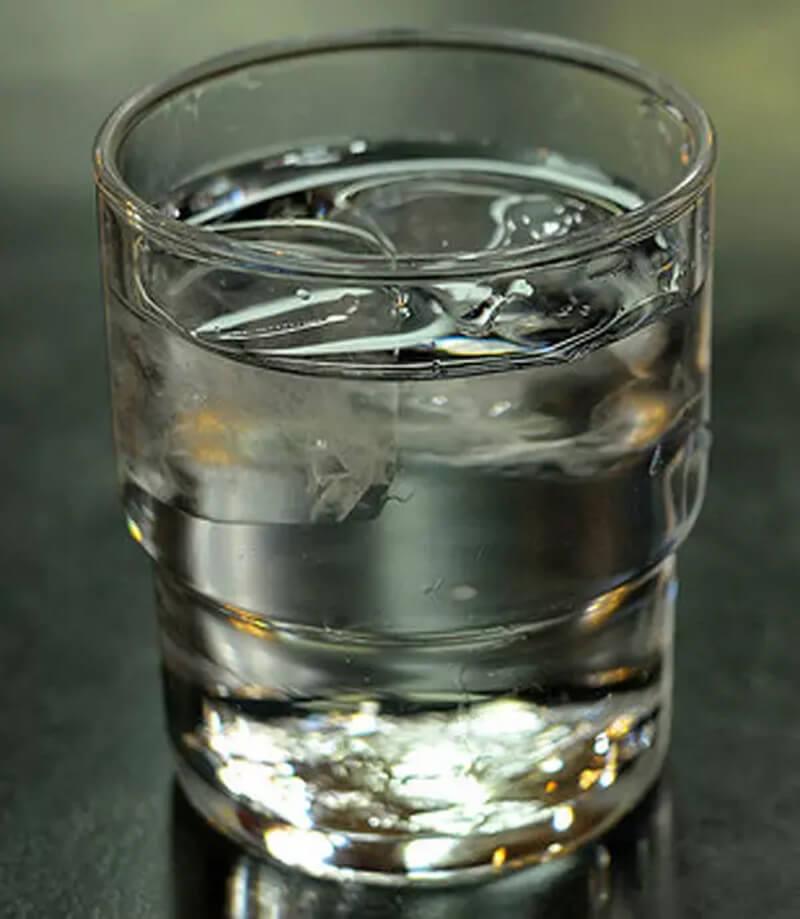 Nước: