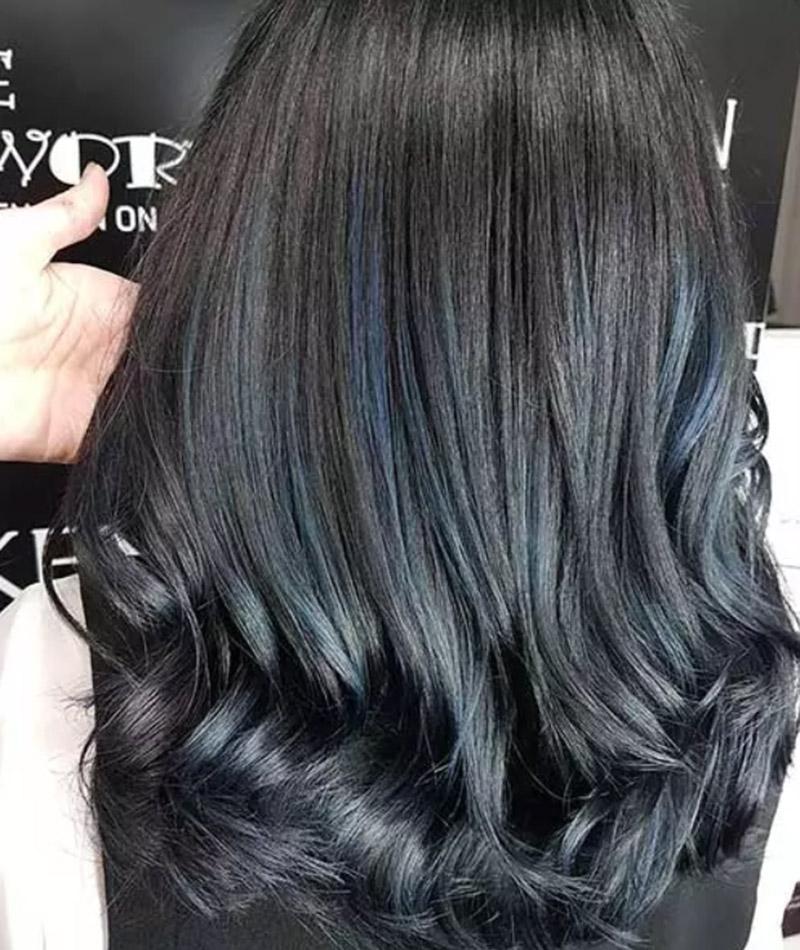 Tóc xanh bạc đen