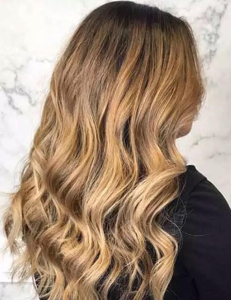 Tóc màu vàng dâu