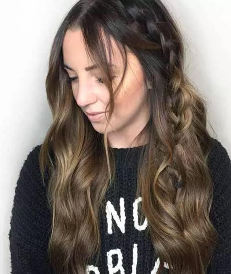 Màu nâu óng mượt mà kết hợp mái tóc đen
