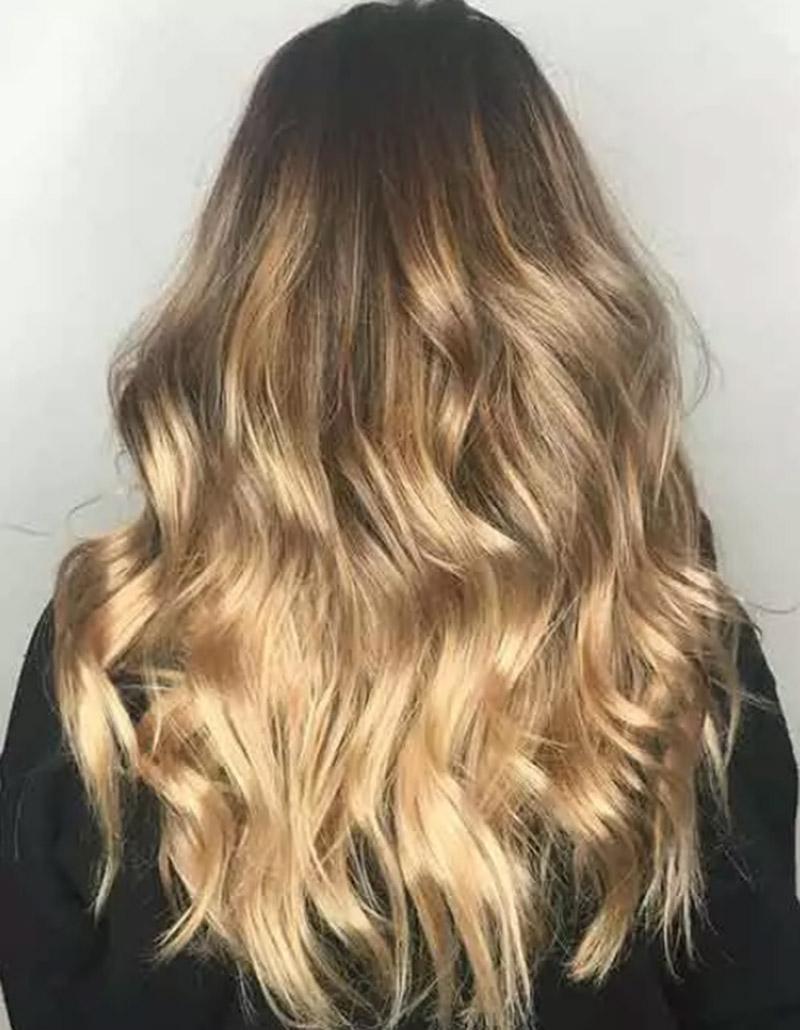 Balayage tóc vàng sáng