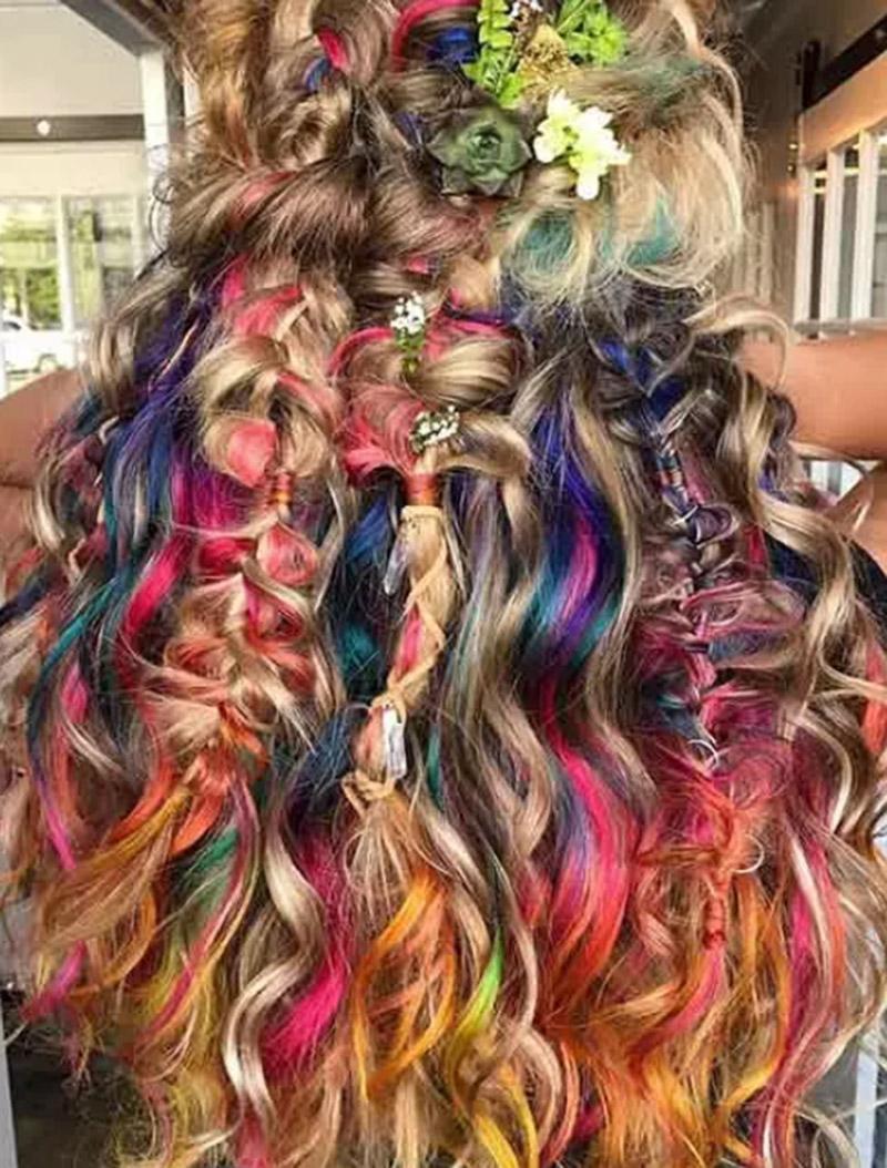 Kiểu tóc nhuộm nàng tiên cá đầy màu sắc