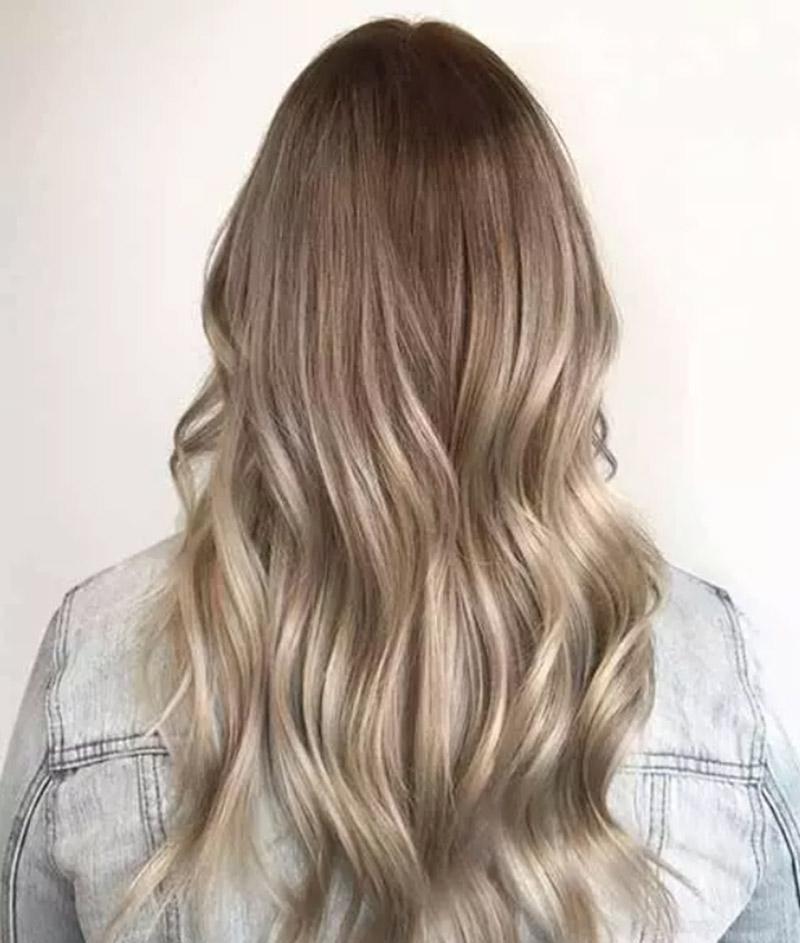 Tóc vàng phần đuôi