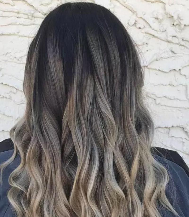 Kiểu tóc nhuộm vàng kết hợp với màu Caramel