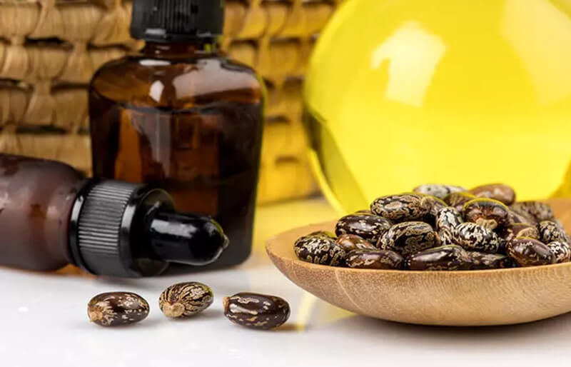 Dầu thầu dầu và ớt Cayenne