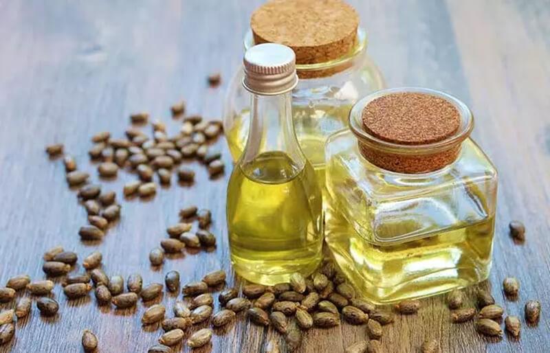 Dầu thầu dầu, dầu hạnh nhân và dầu hương thảo