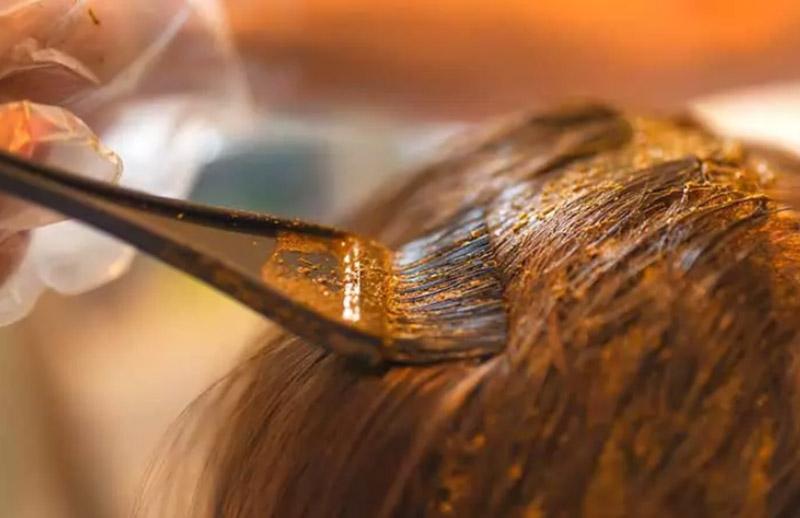 Làm thế nào để nhuộm tóc với các nguyên liệu tự nhiên
