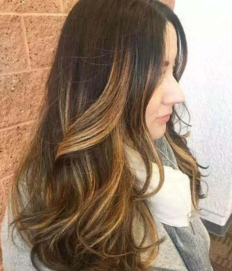 Nhuộm vàng cho tóc nâu