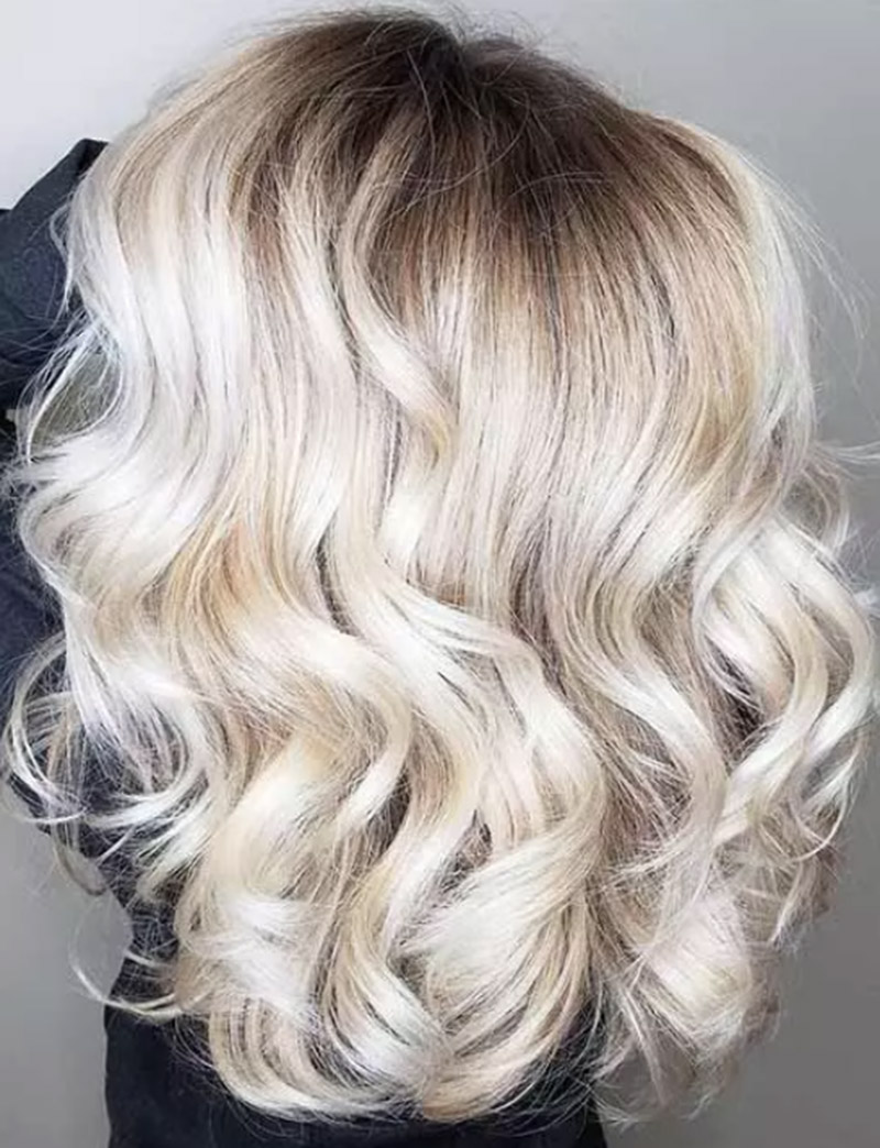 Màu tóc vàng nhạt tan chảy
