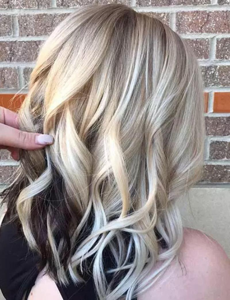 Màu tóc vàng sáng Peekaboo