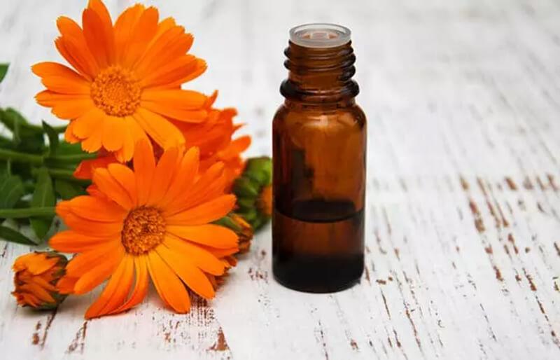 Tinh dầu giúp loại bỏ những sợi lông mọc ngược