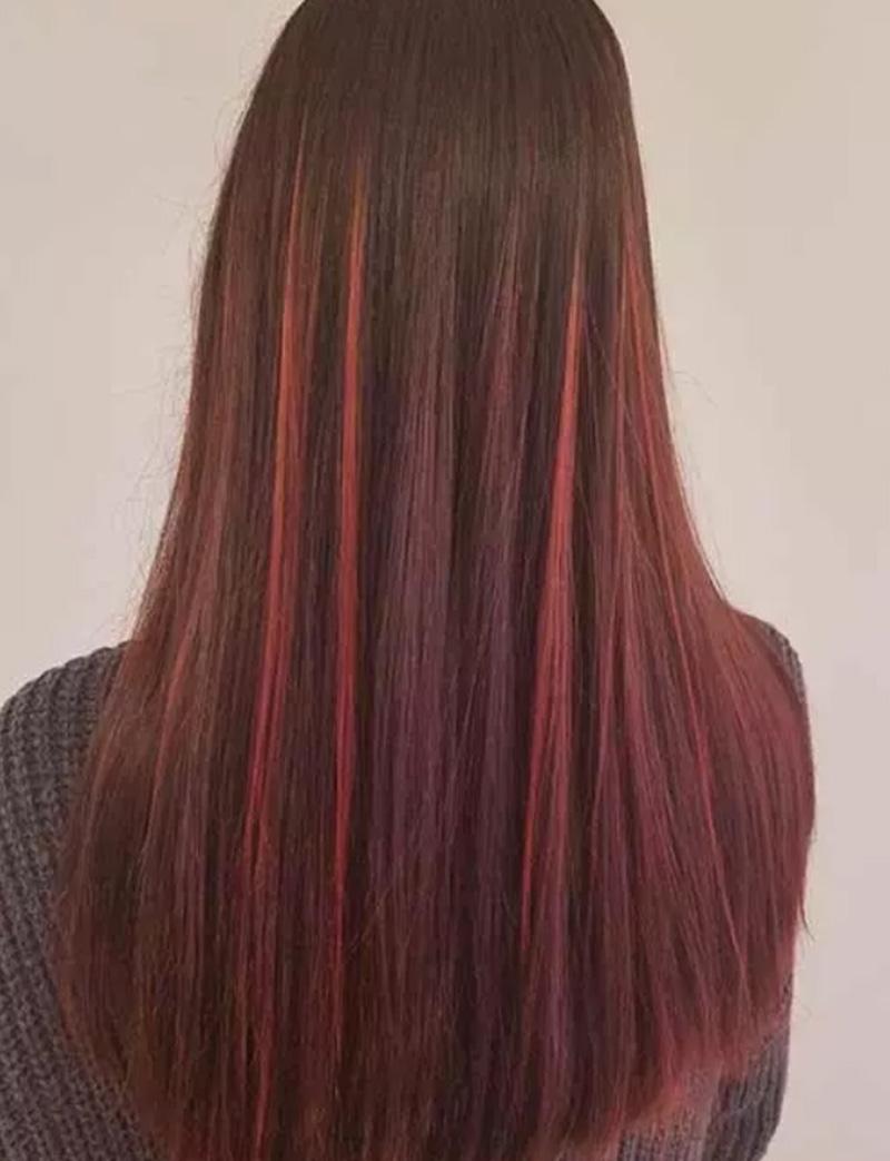 Tóc nhuộm highlight màu đỏ cherry