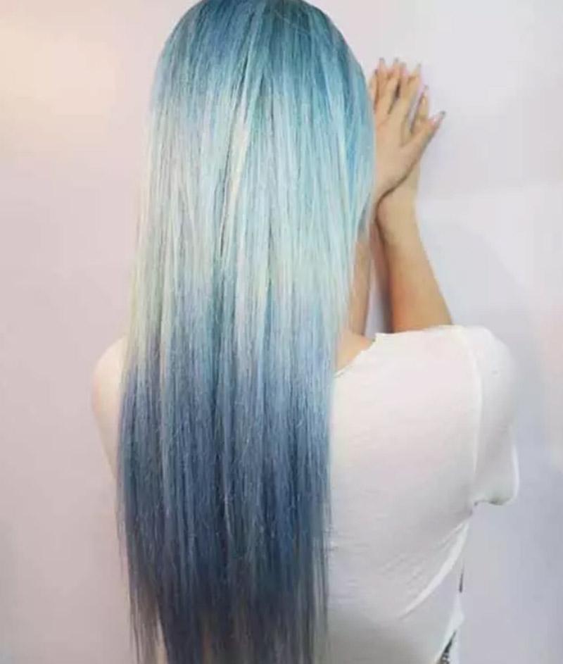 Kiểu tóc nhuộm xanh trong vắt