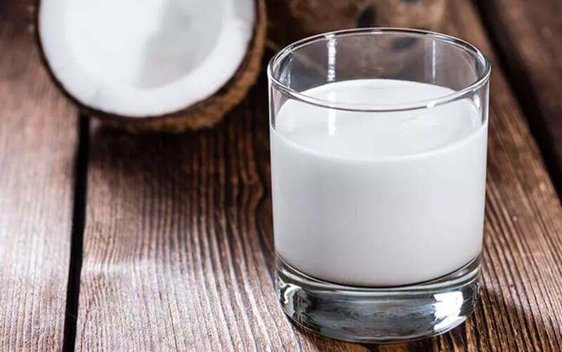 Sữa dừa và henna