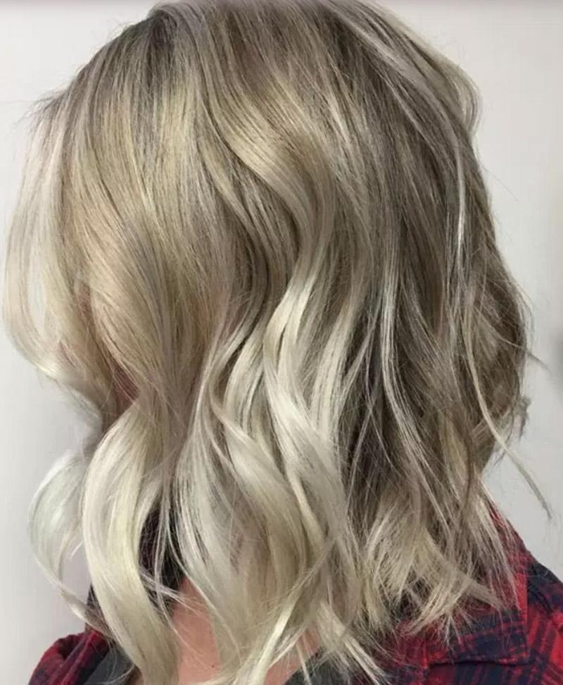 Kiểu tóc vàng ánh bạc
