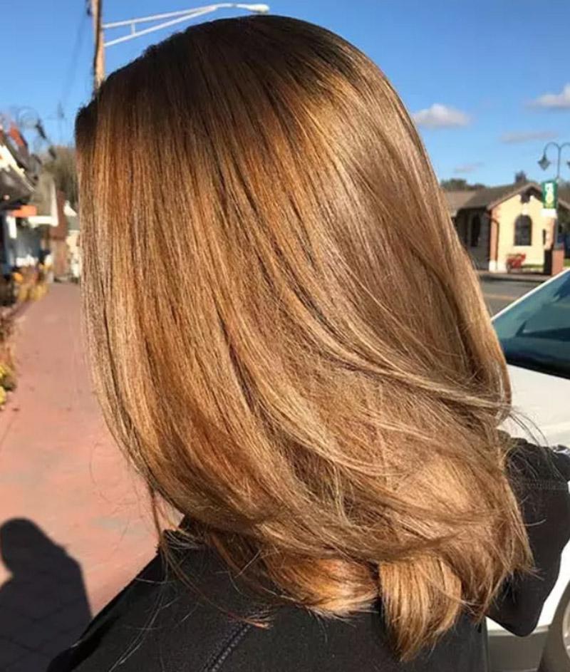 Màu tóc nâu vàng nhạt