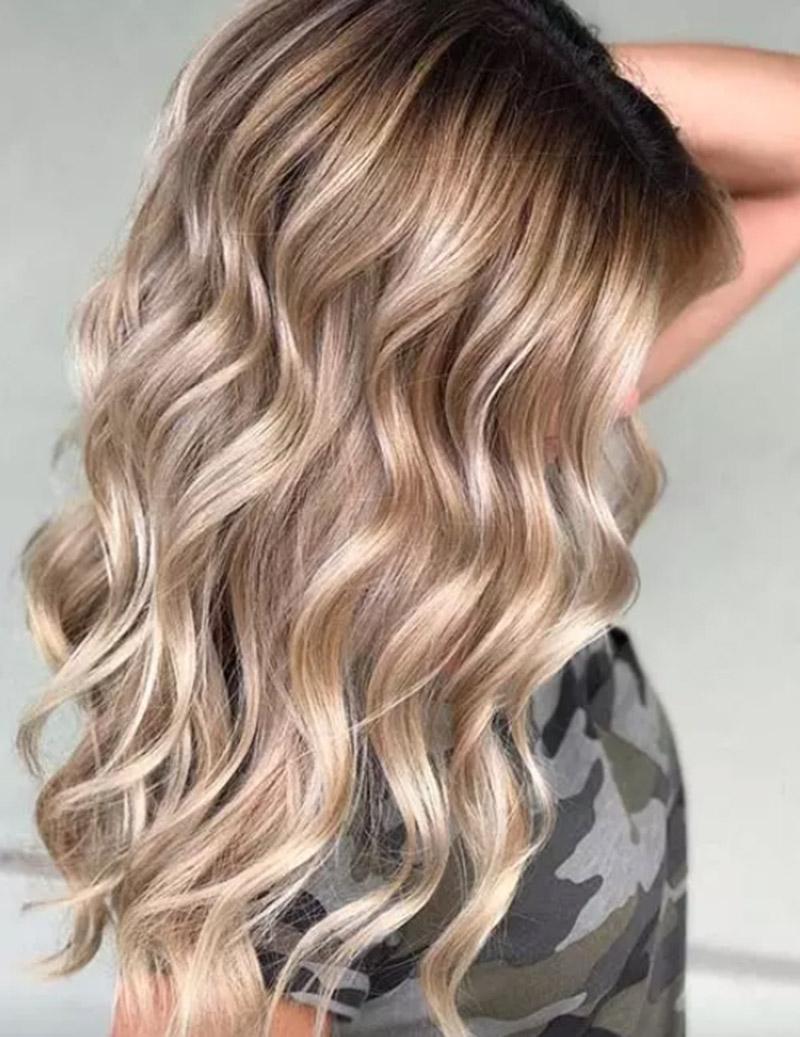 Màu tóc vàng tông lạnh tan chảy