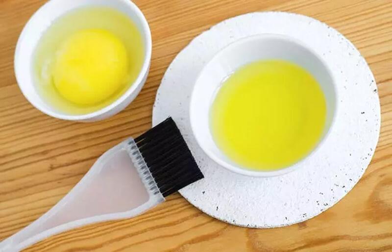 Trứng và dầu ô liu