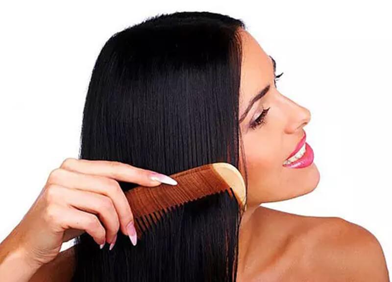 Chải tóc không thường xuyên hoặc ít chải tóc