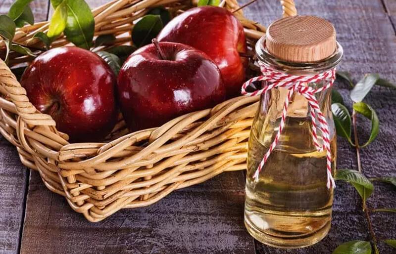 Giấm táo giúp loại bỏ những sợi lông mọc ngược