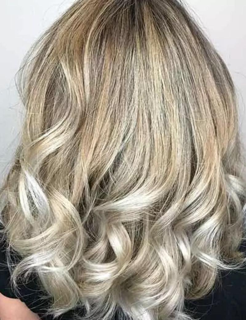Tóc vàng bạch kim
