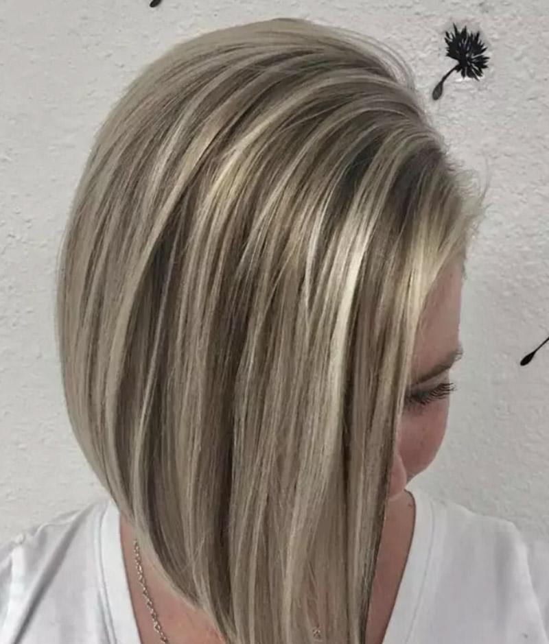 Màu tóc vàng tro highlight