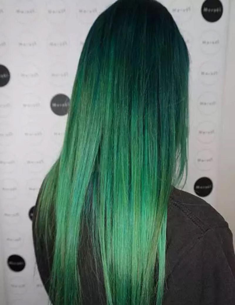 Kiểu tóc nhuộm màu xanh biển sombre