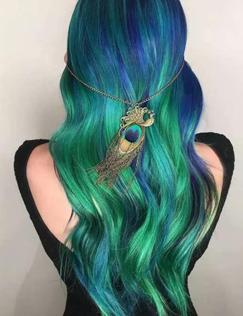 Kiểu tóc nhuộm theo phong cách công chúa biển