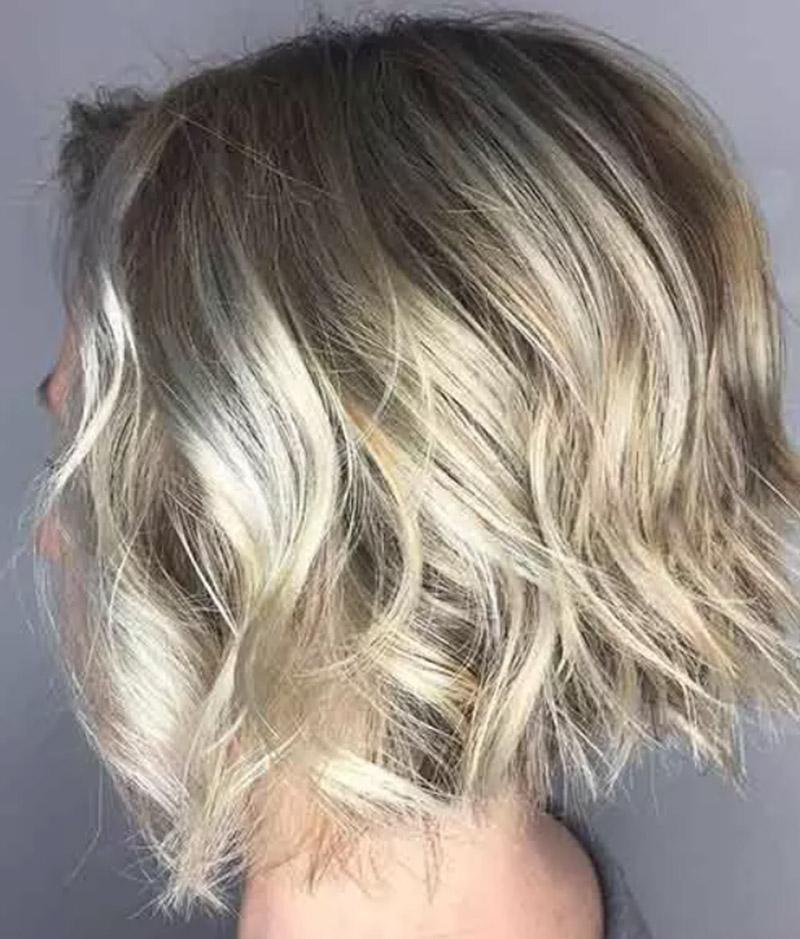 Balayage tóc màu vàng bạc