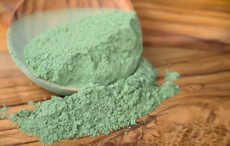 Bước 1: Sử dụng bột Henna