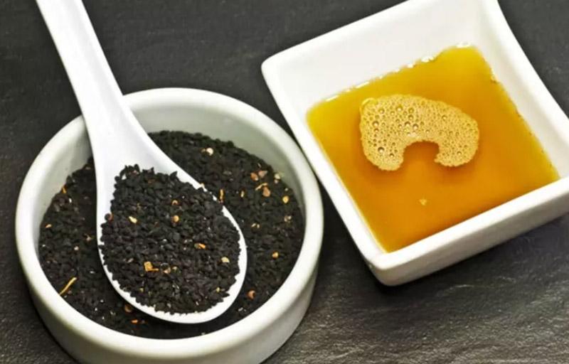Dầu mè đen và dầu ô liu