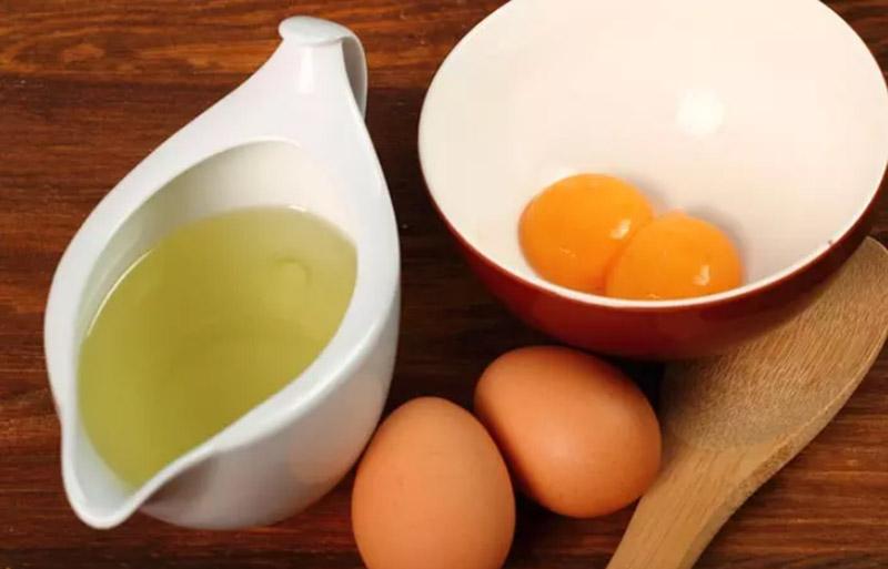 Dầu ô liu và trứng