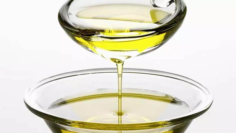 Điều trị tóc khô từ dầu nóng tự làm