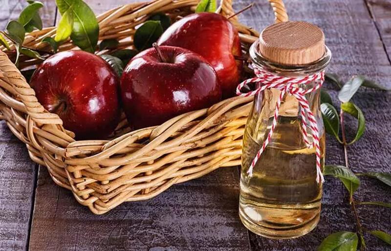 Giấm táo và nước dừa